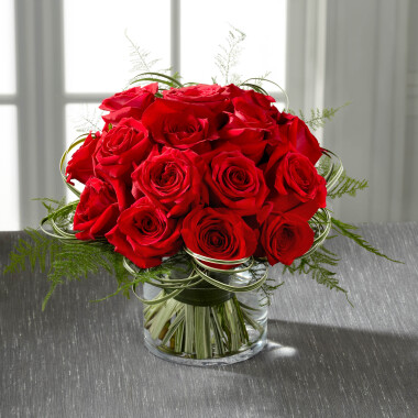 E5-5239 The FTD Abundant Rose Bouquet
